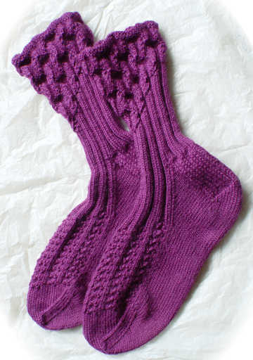 Eyelet Ankle-Ribbed Socks