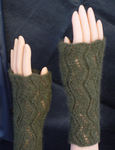 Lacy Riverine mitts and muffatees