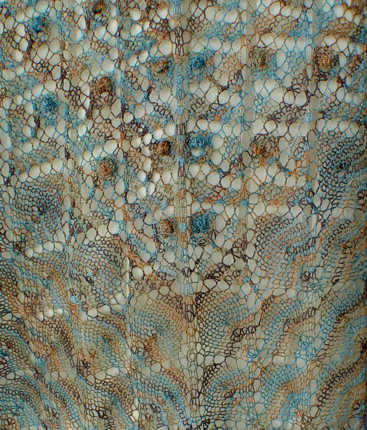H37 Bobble Lace Flowers Triangle Shawl stitch detail