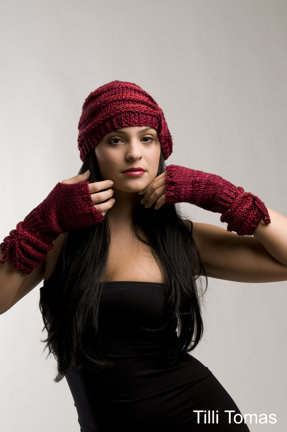 Easy Elegance Ensemble fingerless mitts and hat in Tilli Tomas silk yarns