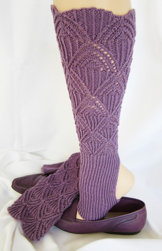Leg Warmers :: Stirrup Legging Warmers knitting pattern