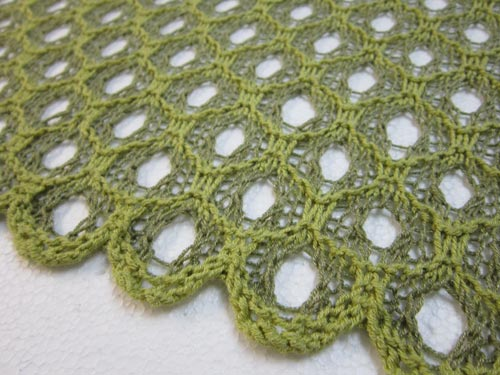 detail of Honeycomb Shadow Lace stitch