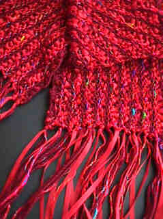 Troika Scarf - red
