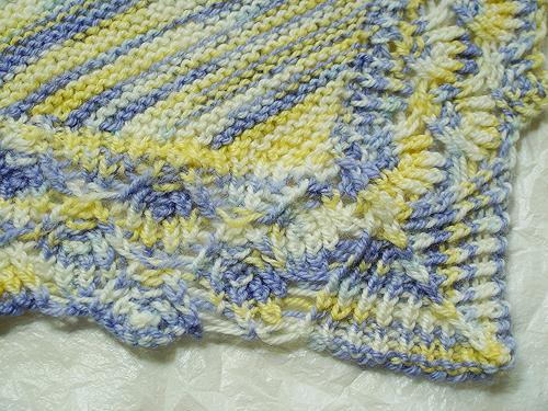 knit baby blanket pattern :: Filigree Lace-edged Baby Blanket